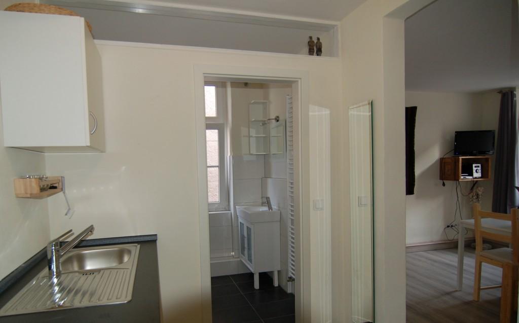 Küche/Bad/Wohnbereich